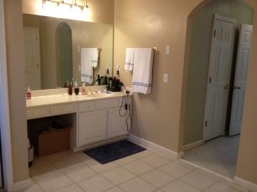 BathroomBeforeRenovationEastCobb